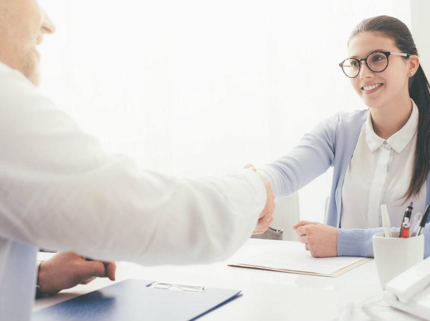 Como conseguir o primeiro emprego? Descubra neste post!